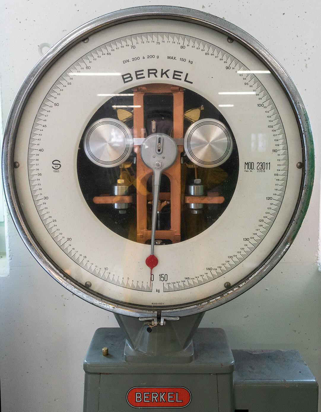 Leutwyler Kühlanlagen AG Zertifikate Berkel alte Uhr