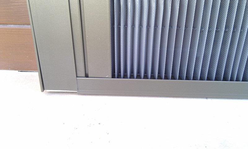 Plissovaná dveřní síť