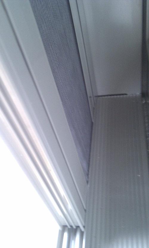 Plissovaná dveřní síť 14