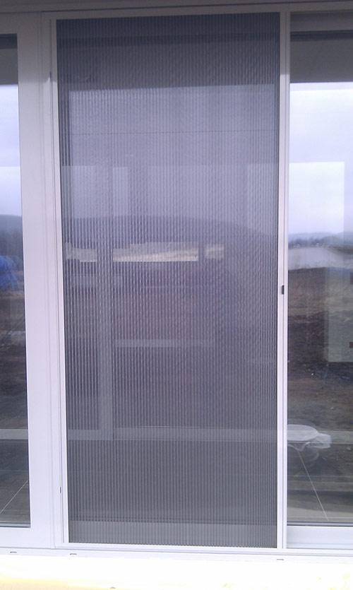 Plissovaná dveřní síť 16
