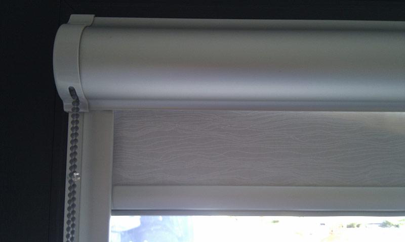 Roletka v kazetě na okno 4