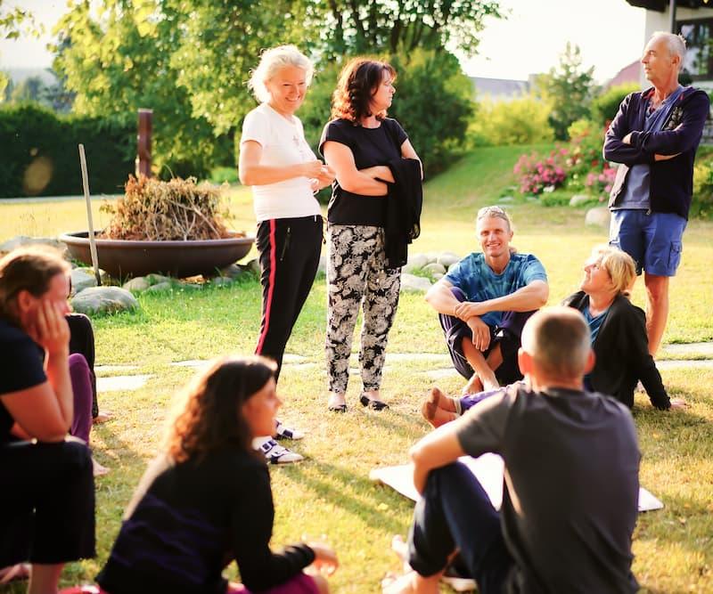 Teilnehmergruppe in einer Fastenwoche