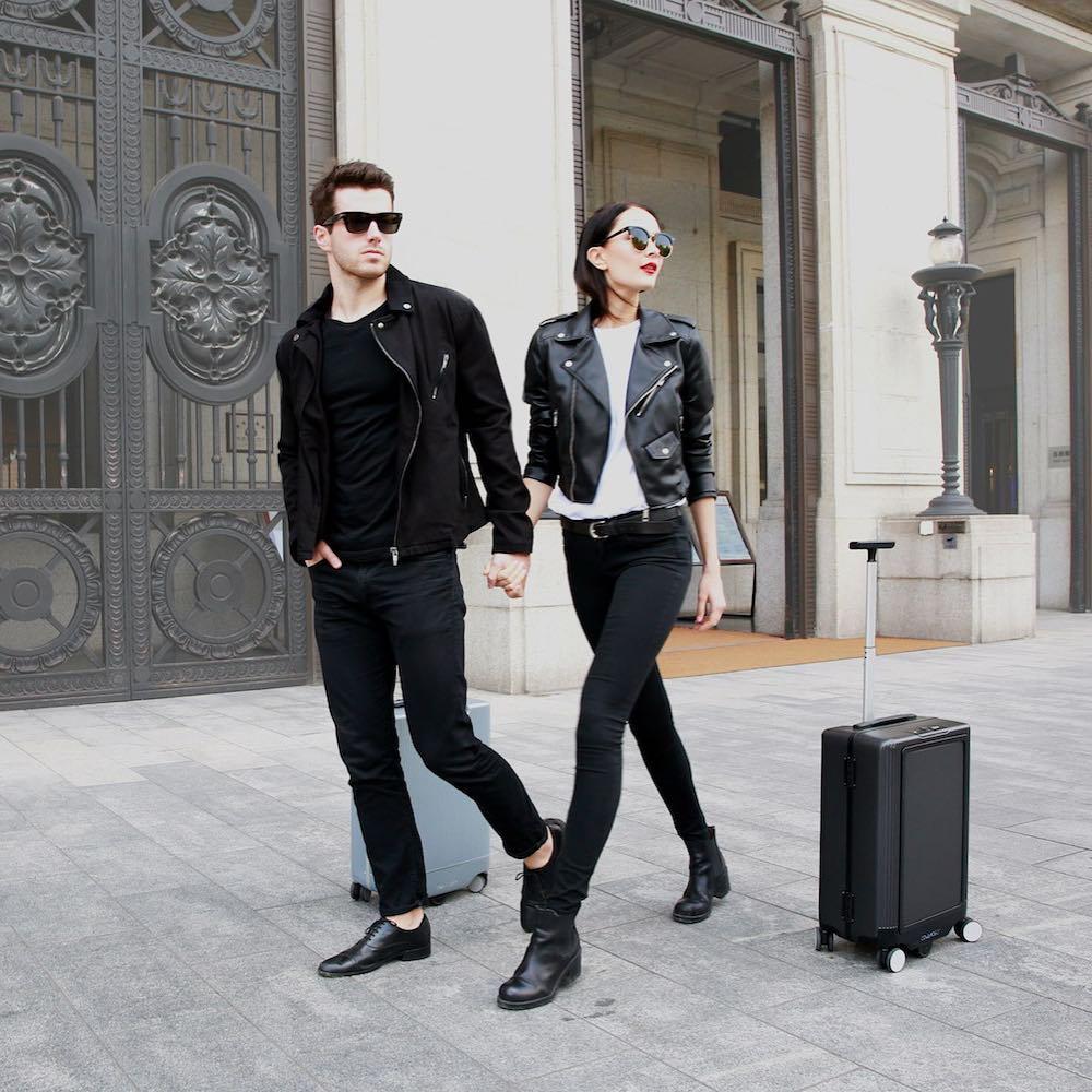 Cowarobot AI Suitcase