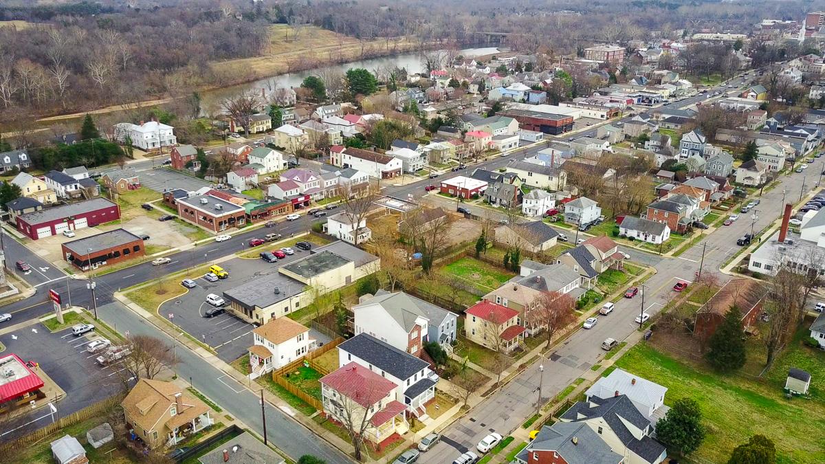 Fredericksburg Housing