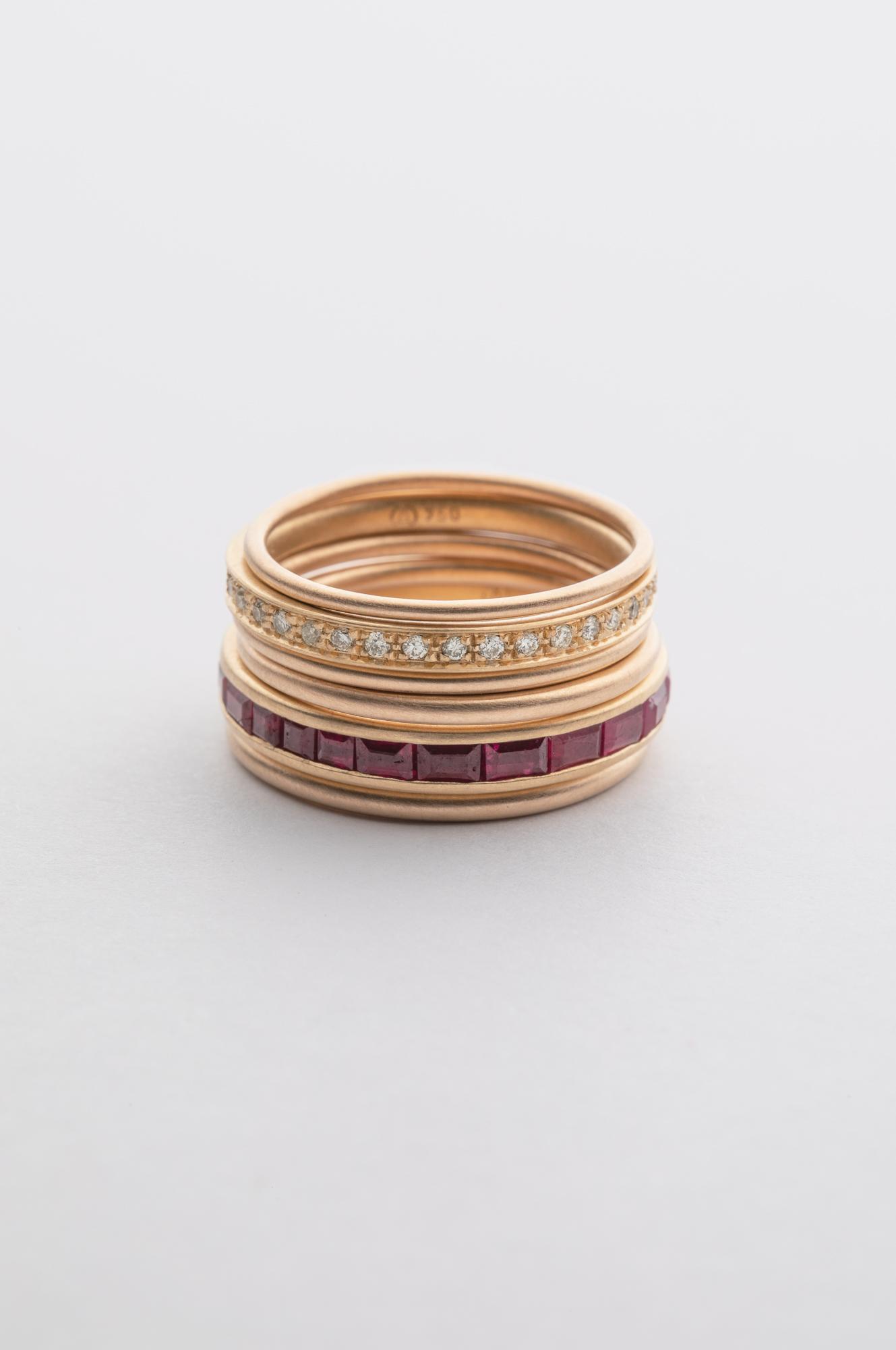Foto von diversen Ringen in Gelbgold