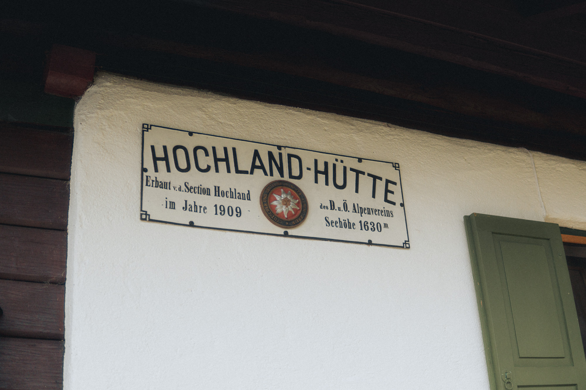 Schild Hochlandhütte Karwendelgebirge