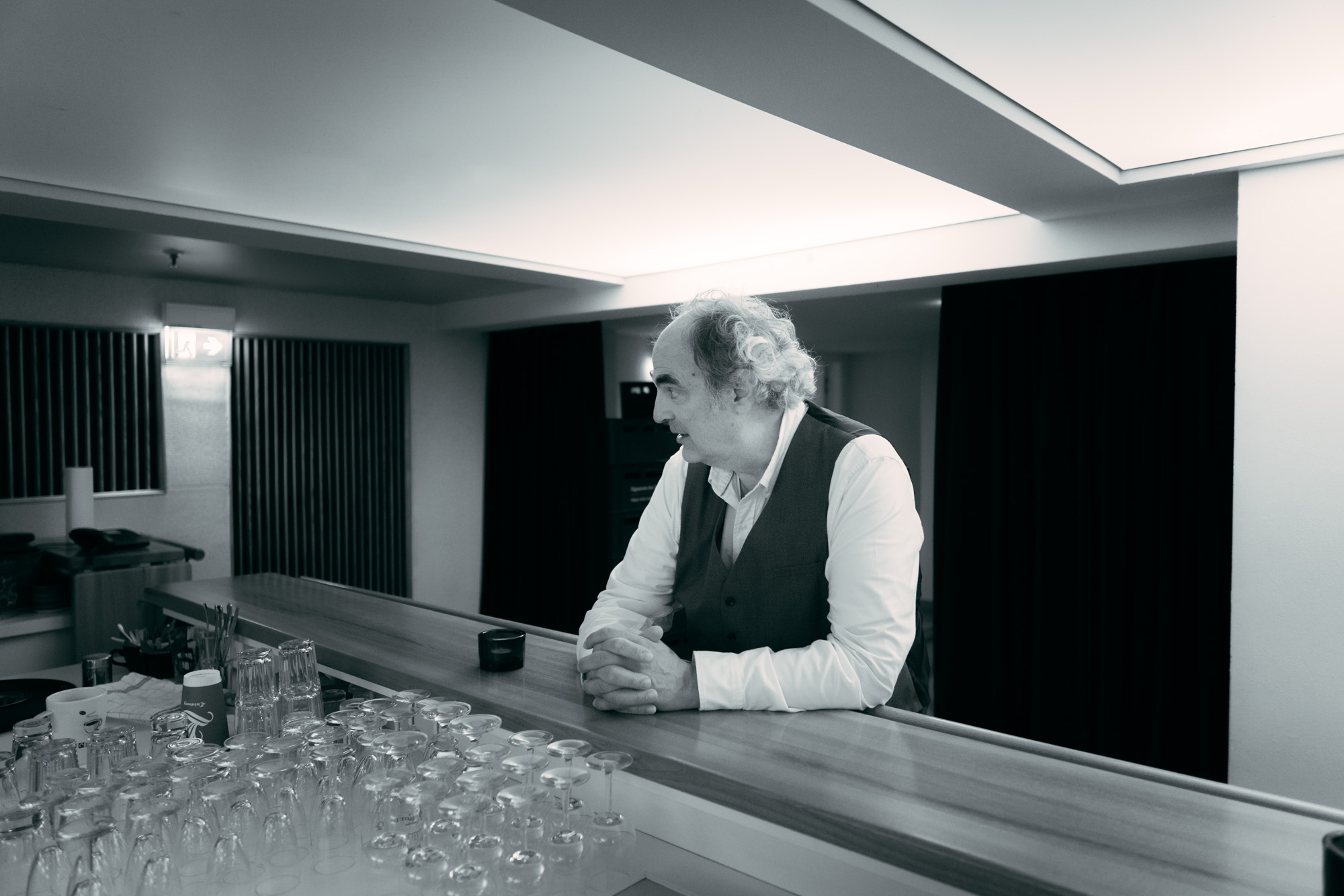 William Cohn an Bar