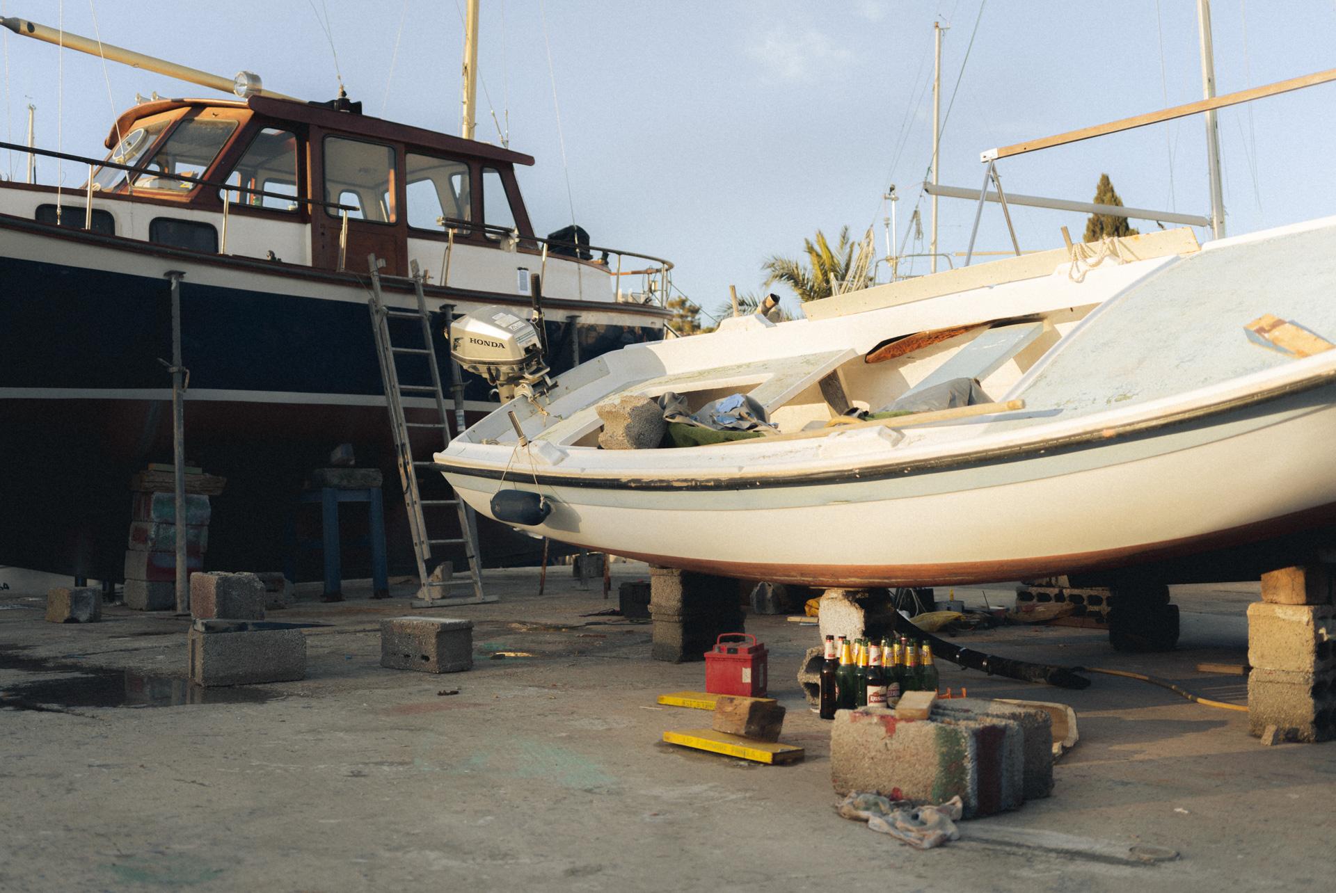 Fischerboote in Werft in Kroatien