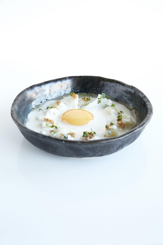 Smoked haddock soup with egg