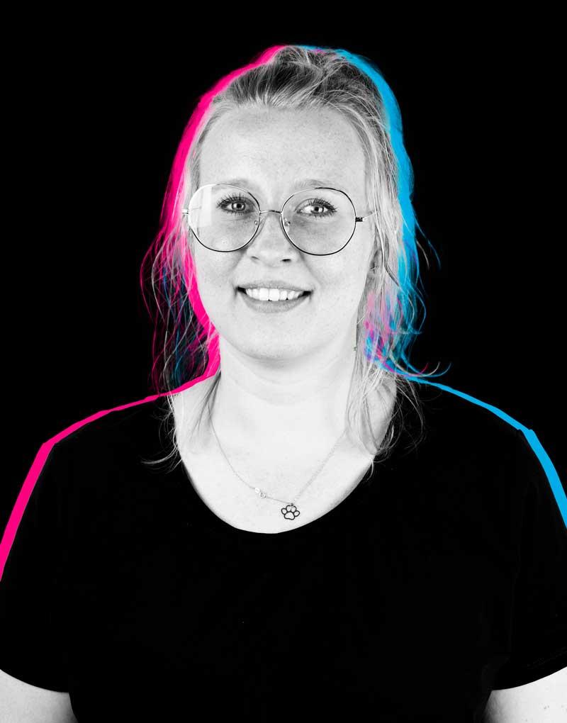 Oliwia Graphic Designer