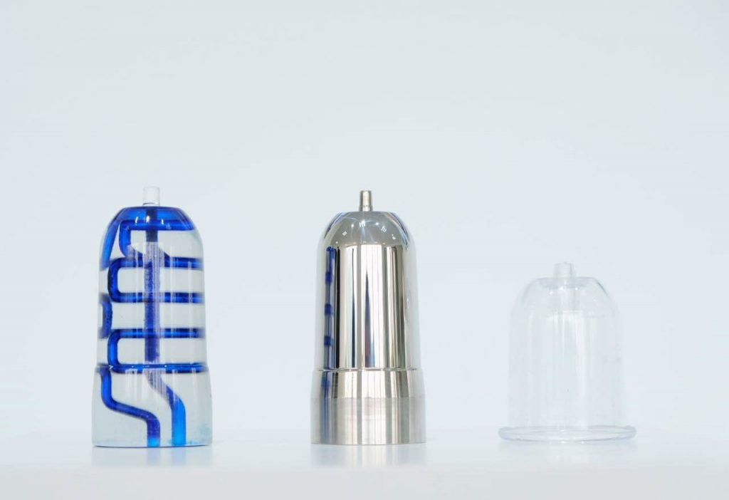 A cupping manufacturer used SHINING 3D EP-M250 SLM 3D printer to produce metal molds with conformal cooling channels, in order to improve the quality of final cuppings and injection efficiency.