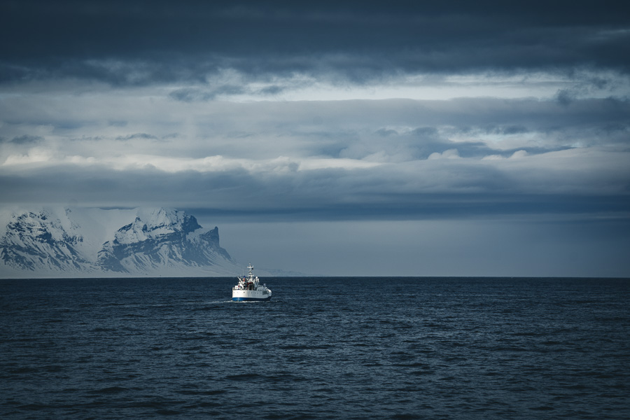 Båt på tur til Svalbard