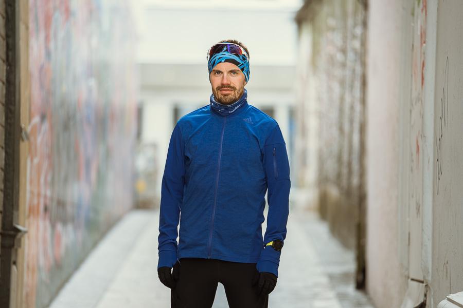 Portrett av mann i treningsklær