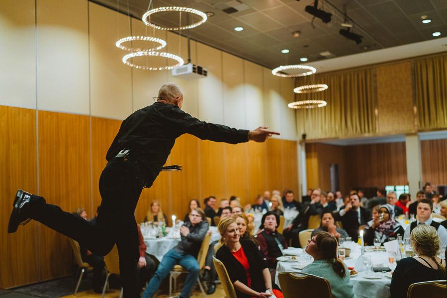 Asvo har en event med Sørbøe som underholder.