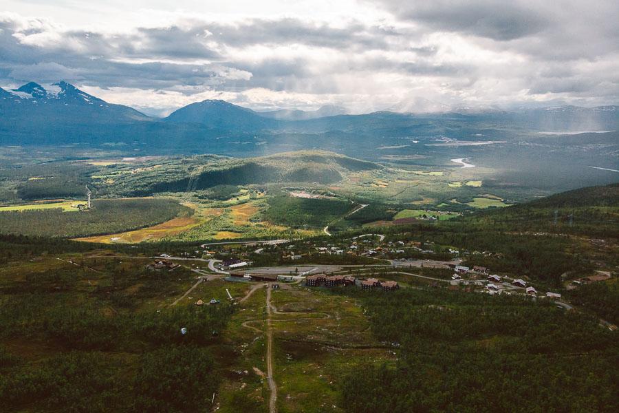 oversikt av Målselv Fjellandsby på sommeren.