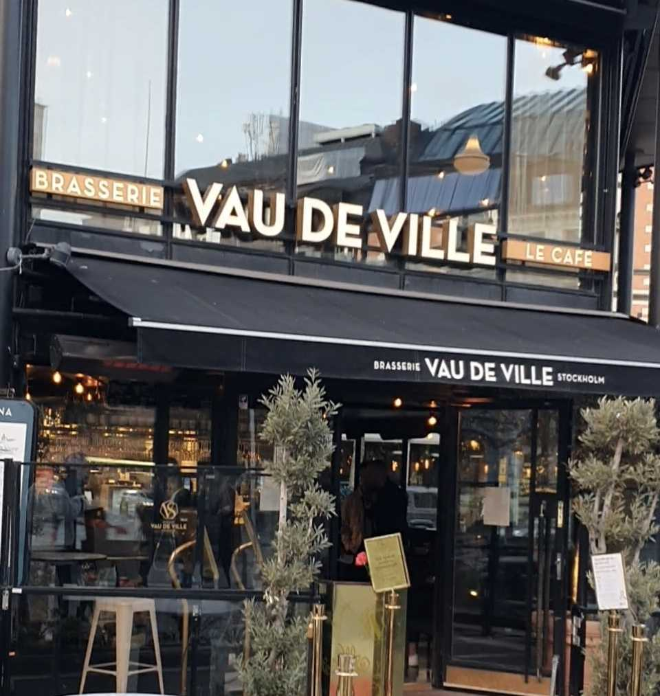Vau De Ville