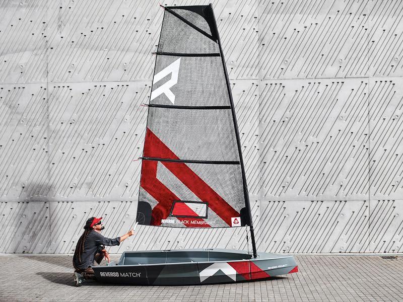 Small sailboat Reverso Air