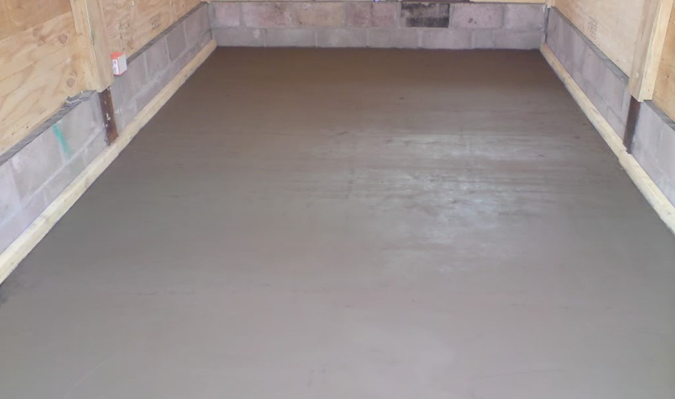What is the required thickness of a screed bed?