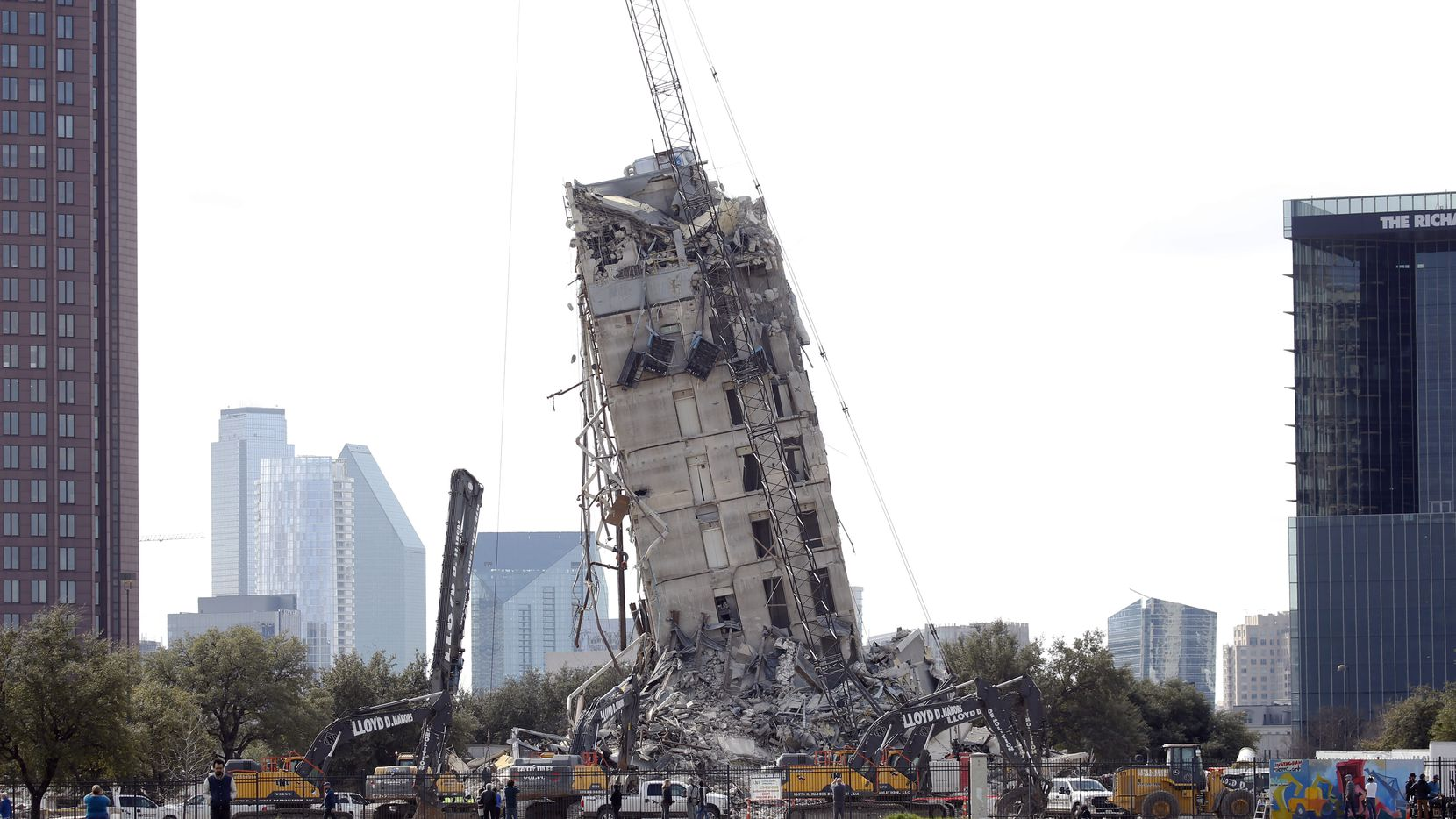The Leaning Tower of Dallas: The Building that Won't Fall Down