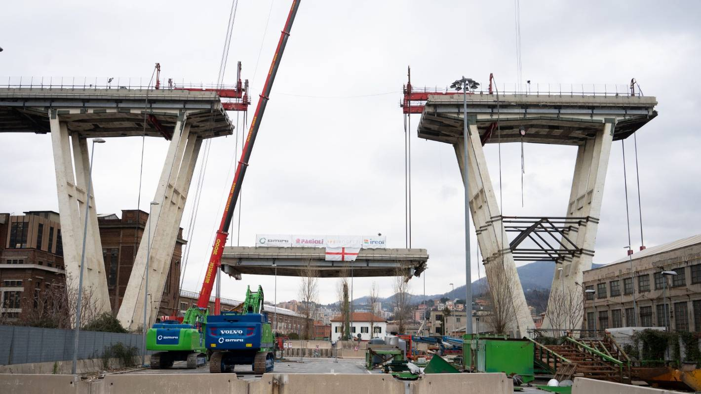 WATCH: Construction of Italy's New Genoa San Giorgio Bridge Completed to Replace Collapsed Morandi Bridge