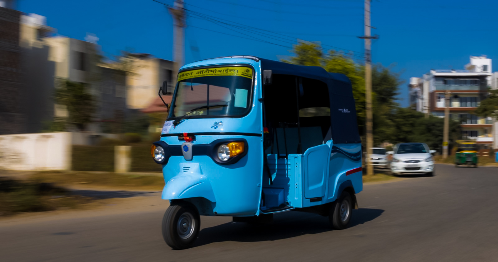 Auto-rickshaw with battery swapping technology