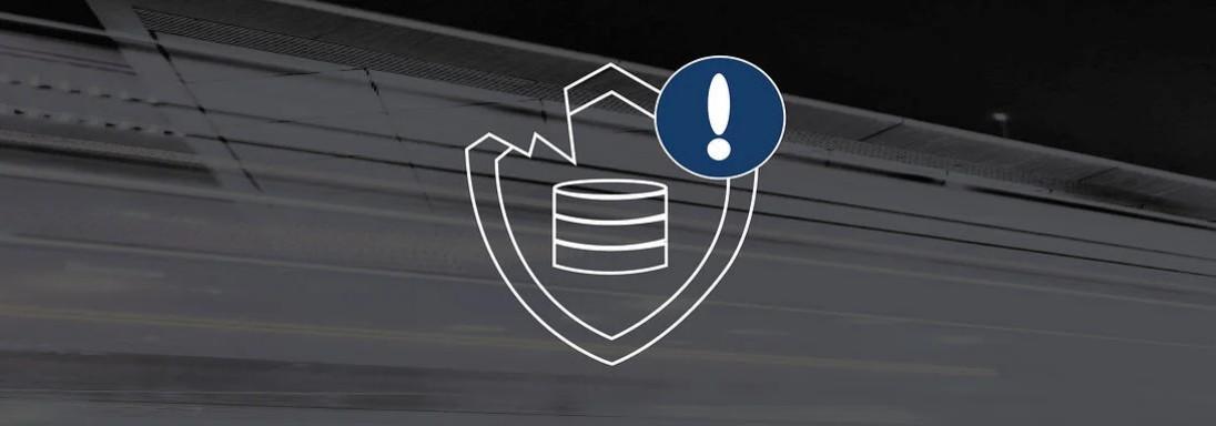 Bunte Lichtstreifen mit Icon eines beschädigten Servers im Vordergrund