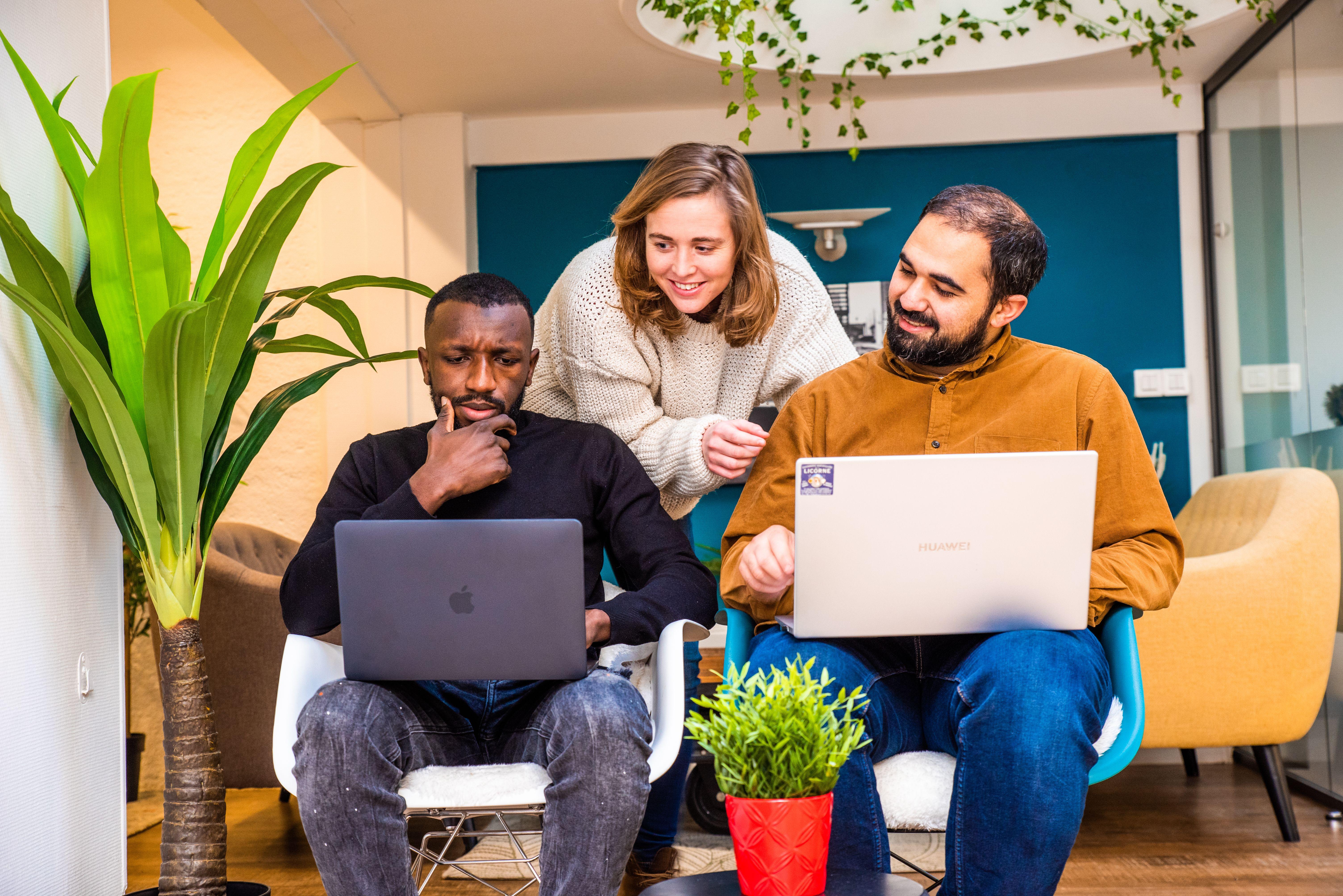 Apprendre le code informatique et vivre en freelance