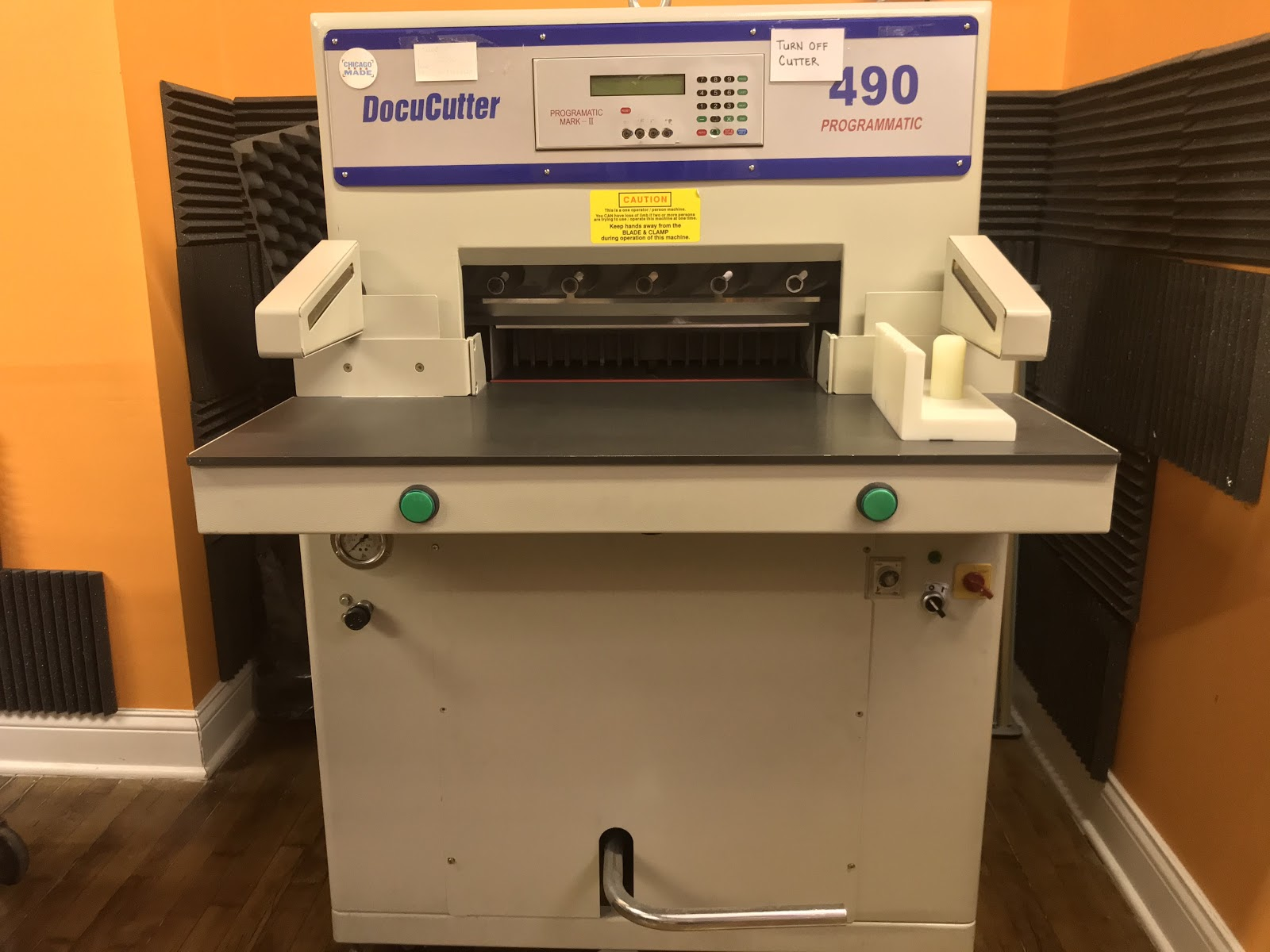 Image of Duplo 490 guillotine cutter at Chicago Printworks.