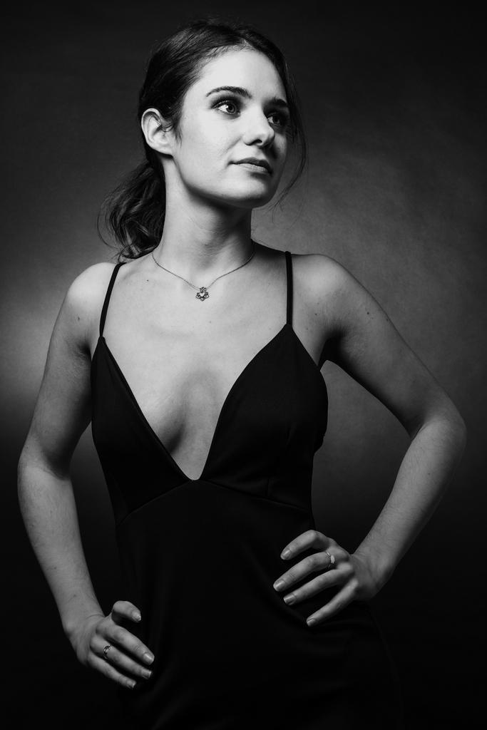prix photographe portrait - photo en noir et blanc d'une jeune fille