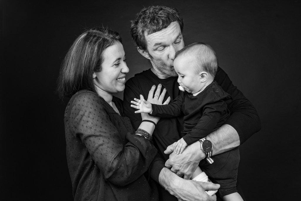 Photo de famille dans un studio de photographie - Frédéric Sicard