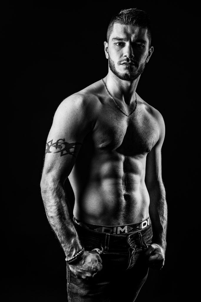 Homme musclé sexy photo noir et blanc photographe Vaucluse