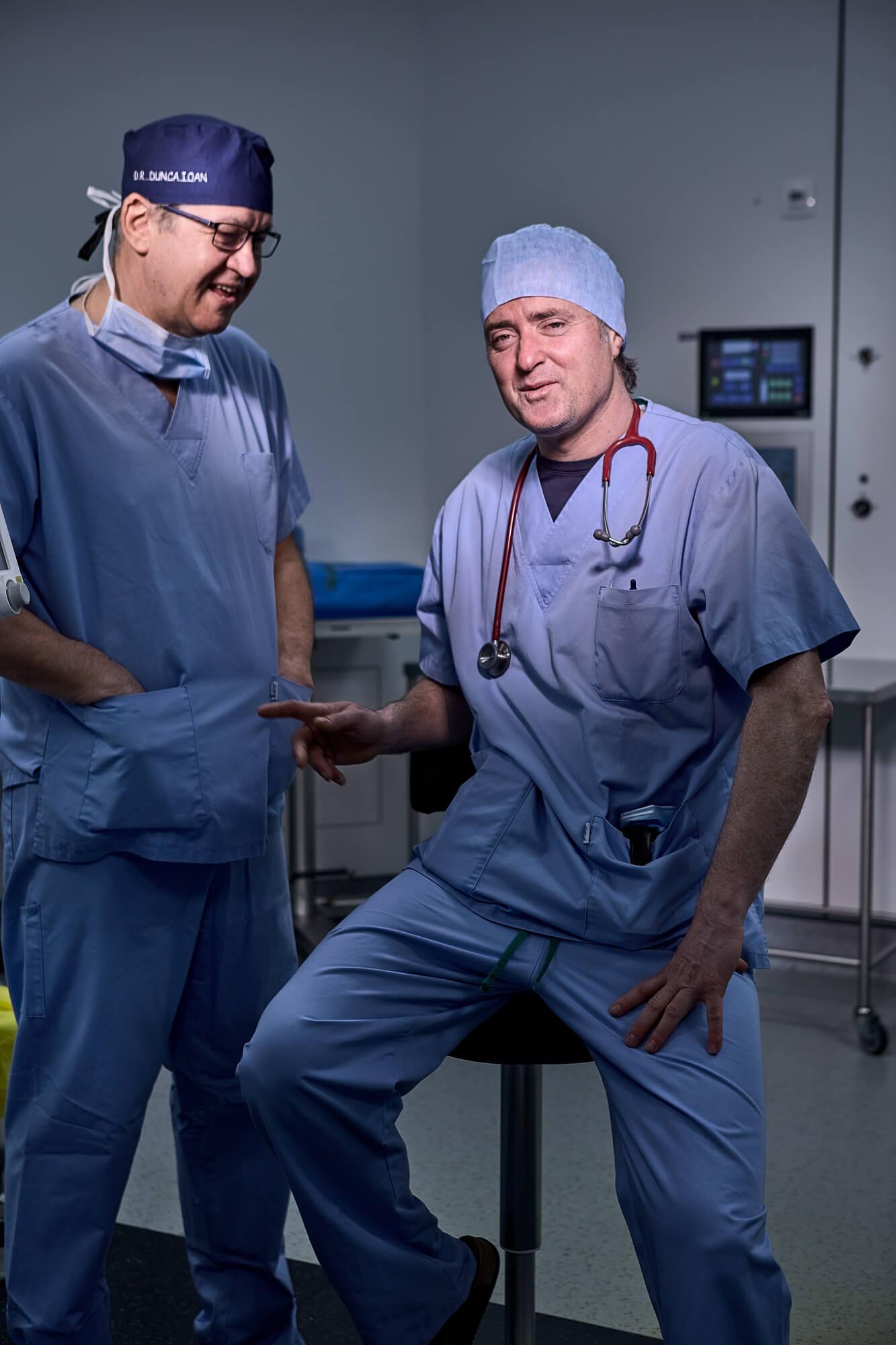 Dr. Ioan Dunca with Dr. Pau anaesthologist
