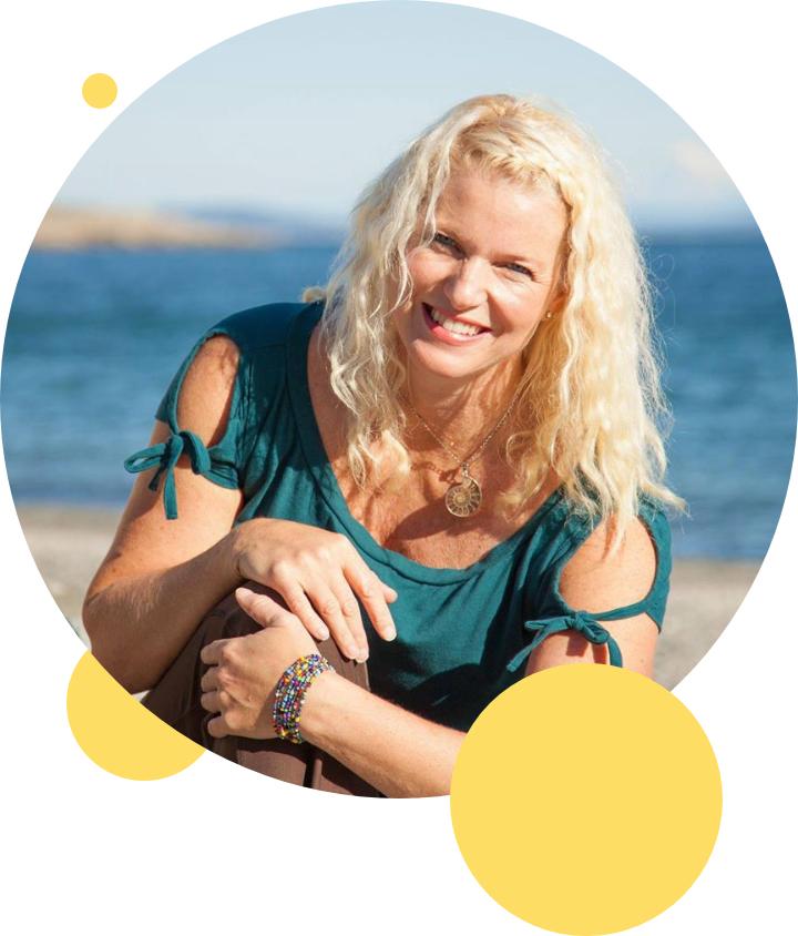Tamara Lechner image on beach