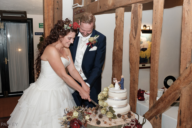 wedding cake cutting Crondon Park