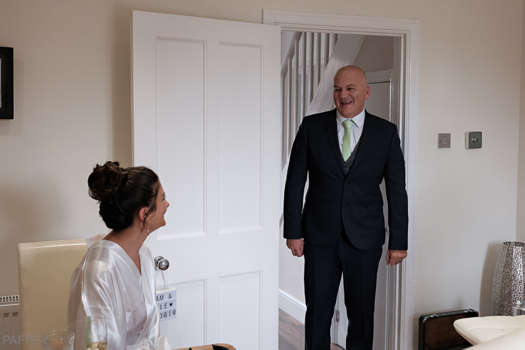 First look by Dad as daughter is about to get married