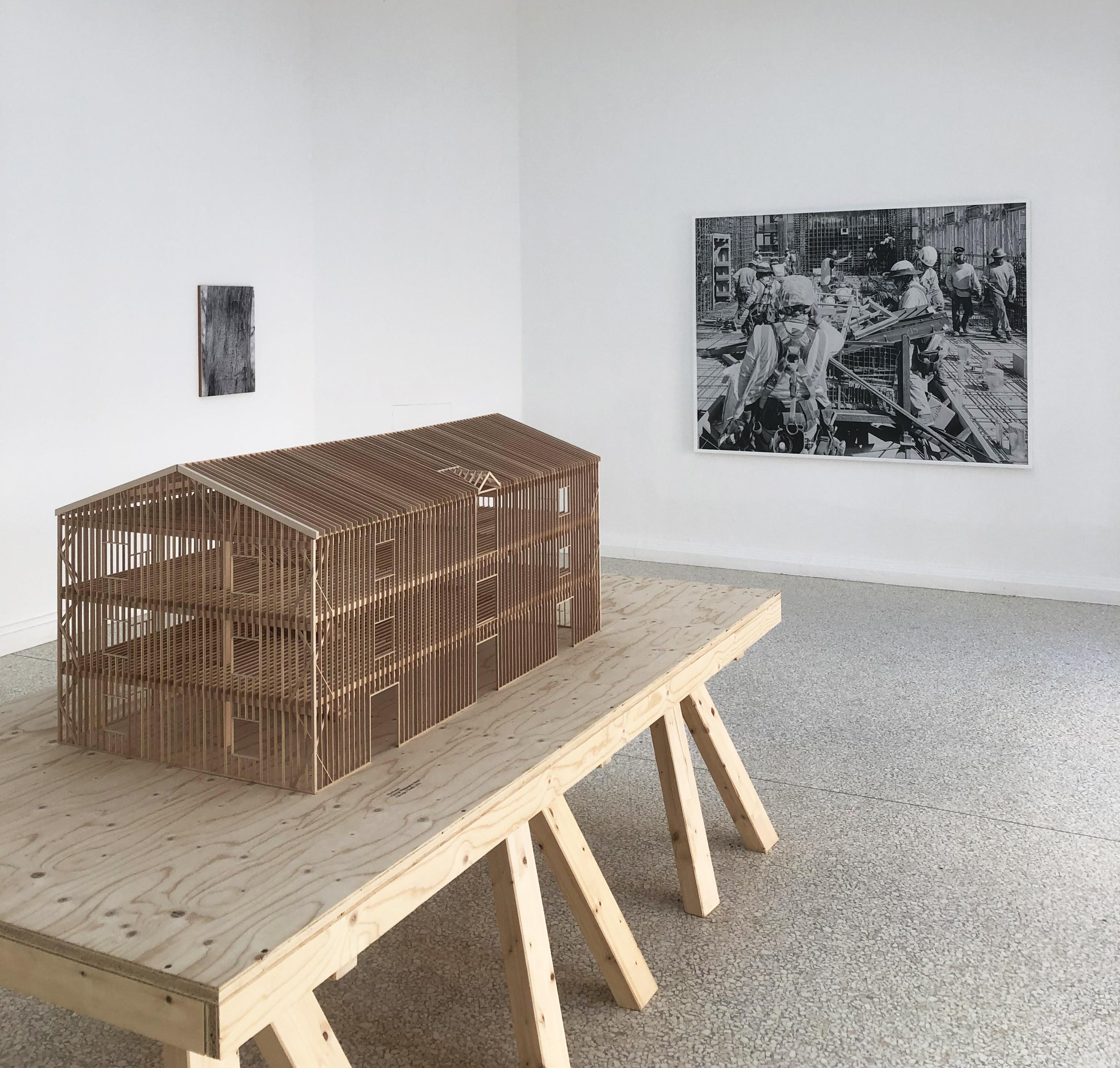 Billedet viser model og foto fra den amerikanske pavilion