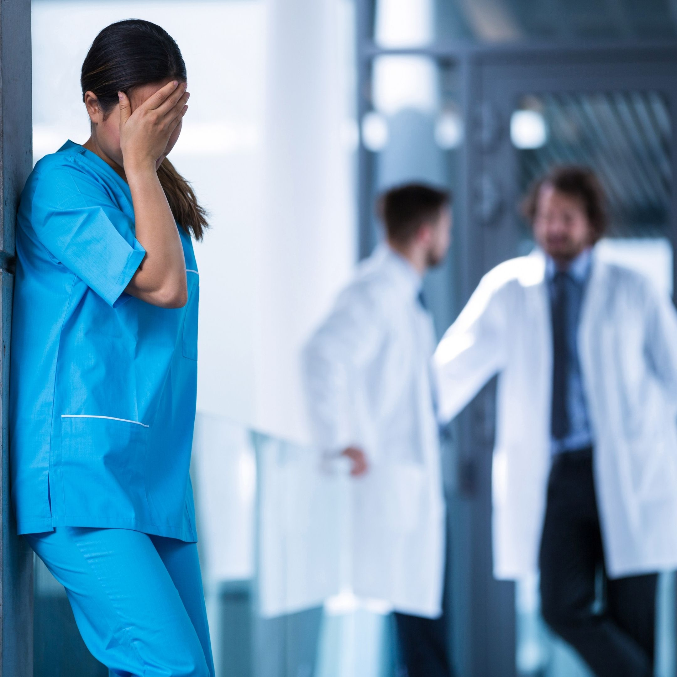 Zuster leidt aan wekdruk werkstess burnout