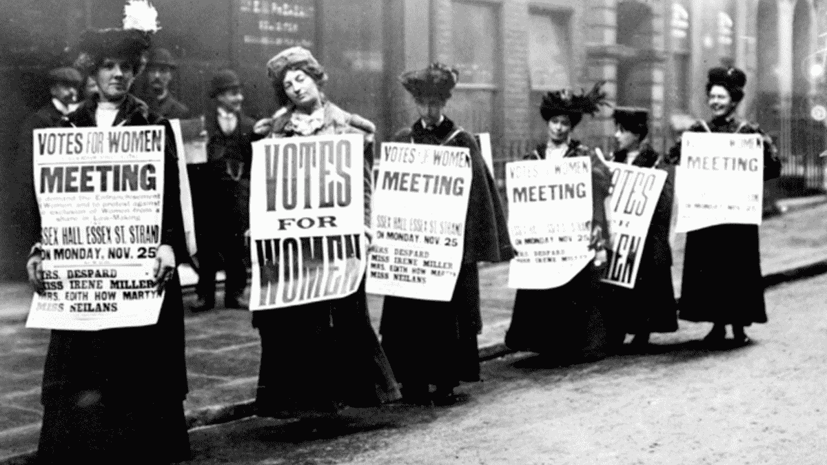 Early 20thC suffragette march