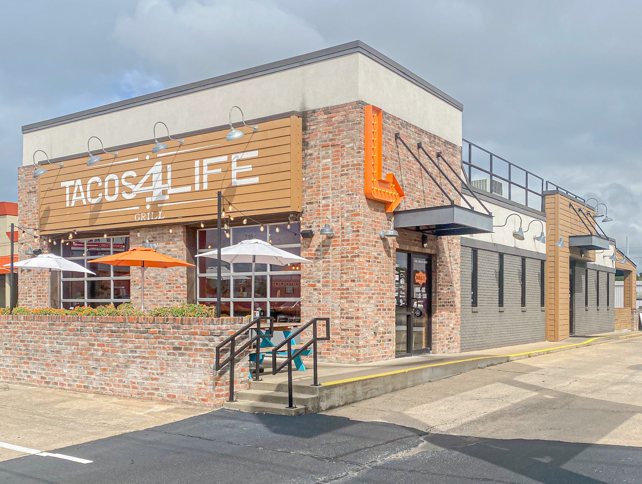 Tacos 4 Life in Conway, AR on Oak St