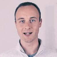 Portrait von Webentwickler Toni Frisch.
