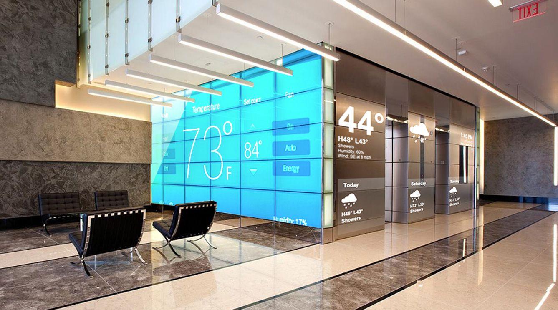 Digital Signage for Smart Buildings Communication