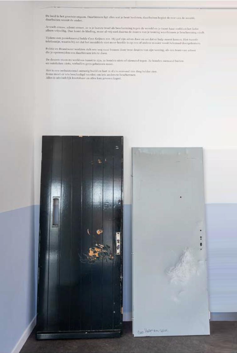 foto van beschadigde deuren