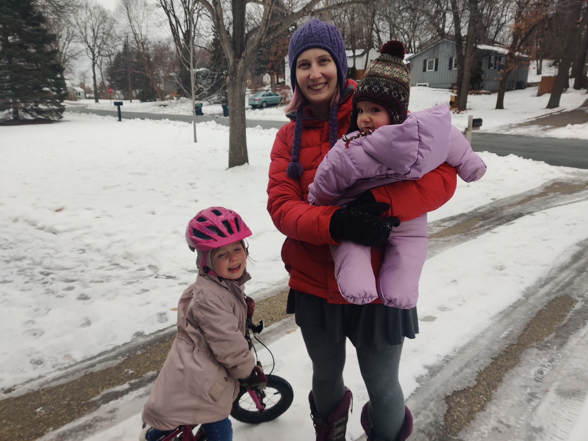 Leana and her 2 daughters in the snow