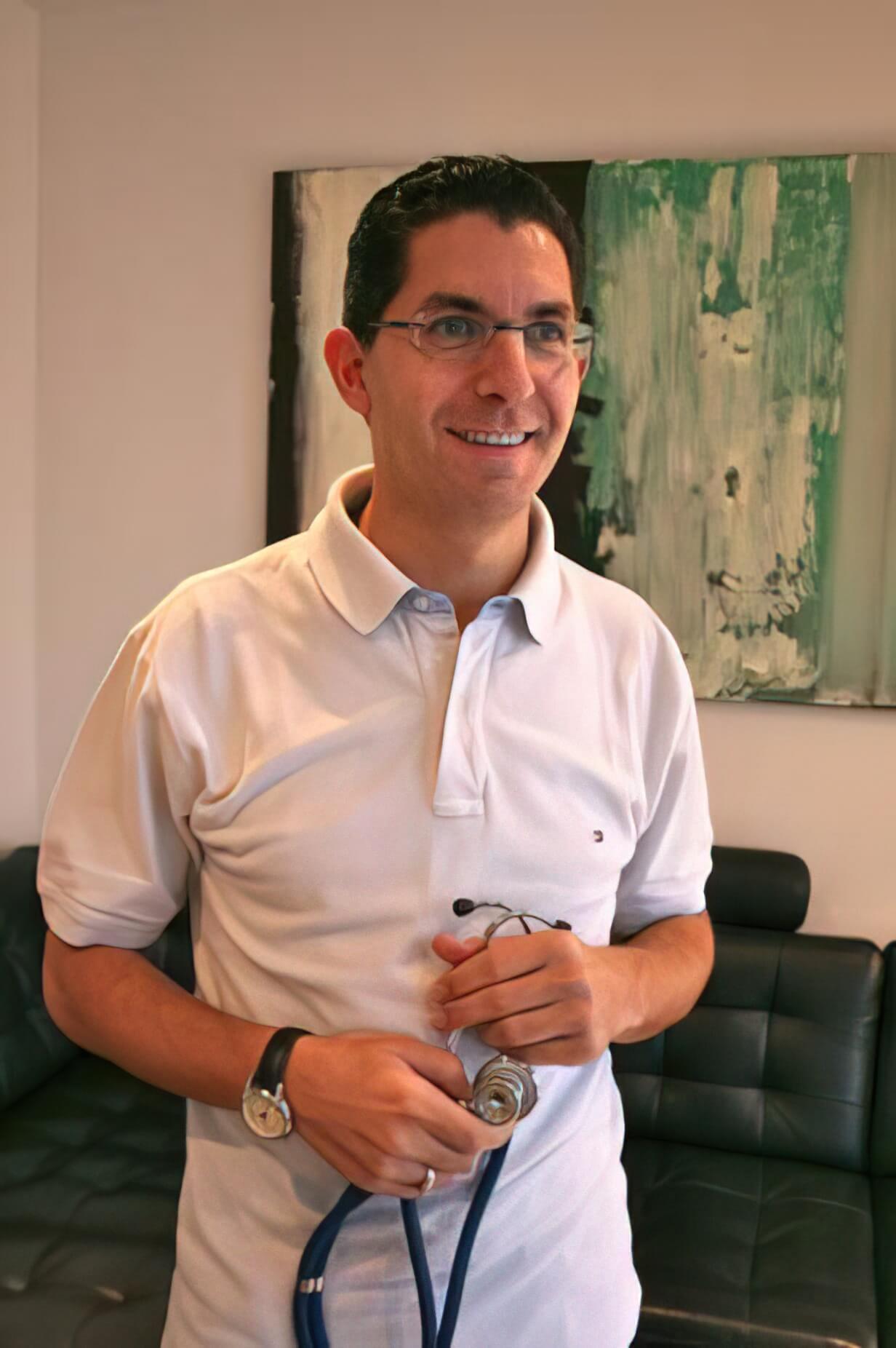 Dr. Nagy-Roland Badawi