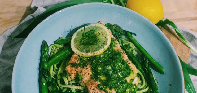 Salmon with linguine, wild garlic and asparagus