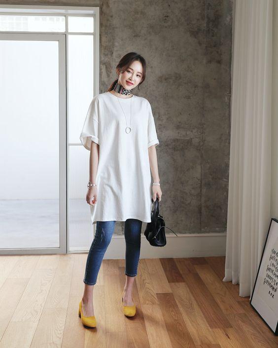 Cara memakai kaos oversized dengan skinny jeans
