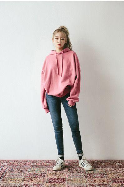 Hoodie Kombinasi Celana Jeans