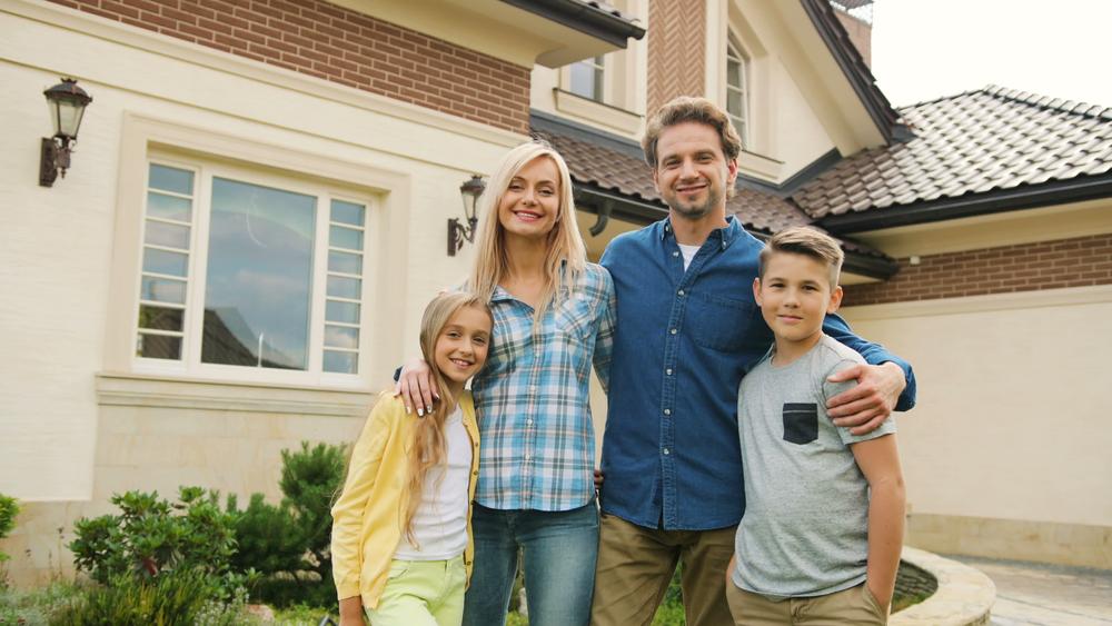 Apartament în Bucureșți sau casă lângă oraș: Cum îți alegi locuința?