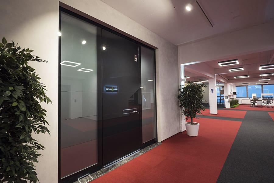 Най-големият дизайн център за врати - мостри врати за къща Pirnar - с фиксове двустранно