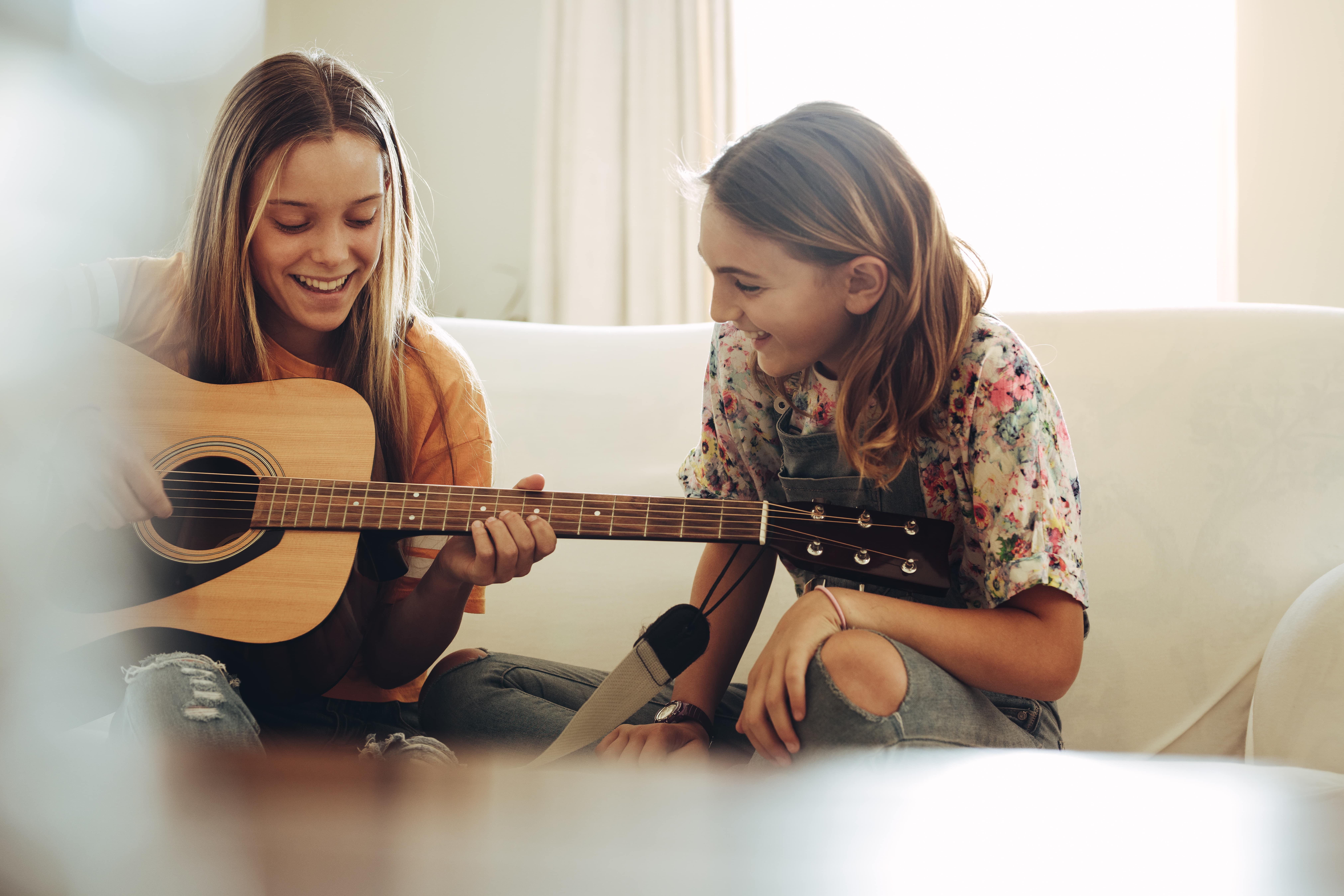 guitar and bass lessons near me for kids and adults in hendersonville nc